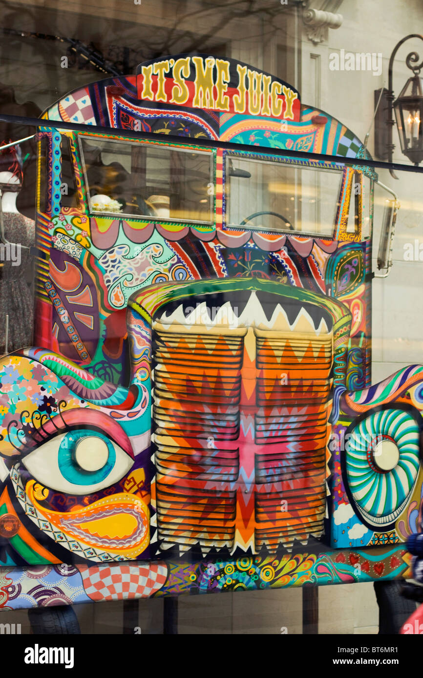 Shop window on 5th Avenue New York City - Stock Image