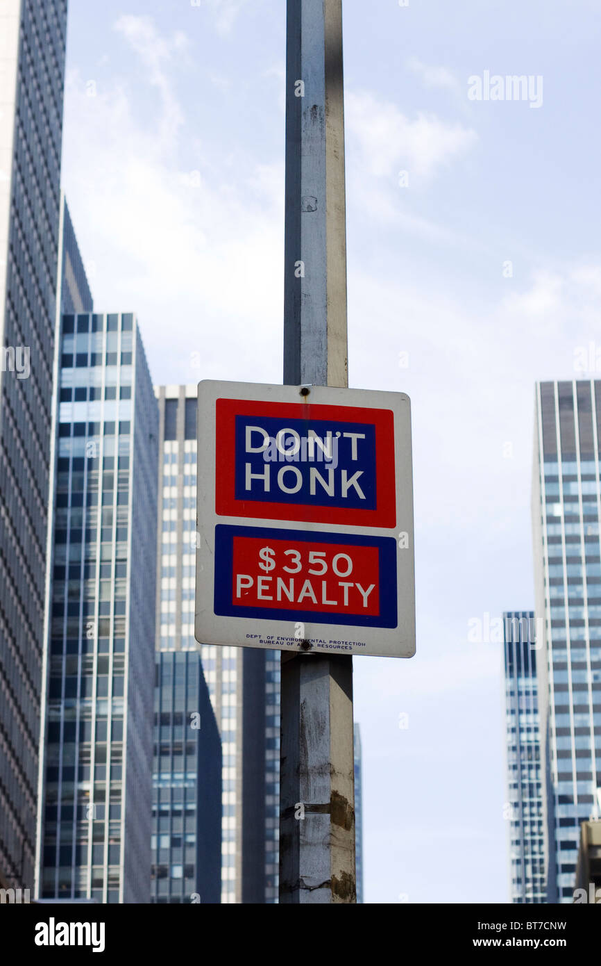 Street sign in New York City - Stock Image