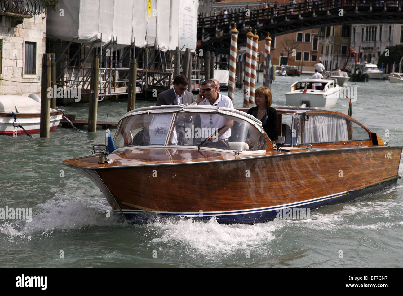 POLISHED WOODEN SPEED BOAT VENICE ITALY VENICE ITALY VENICE ITALY 10 September 2010 - Stock Image
