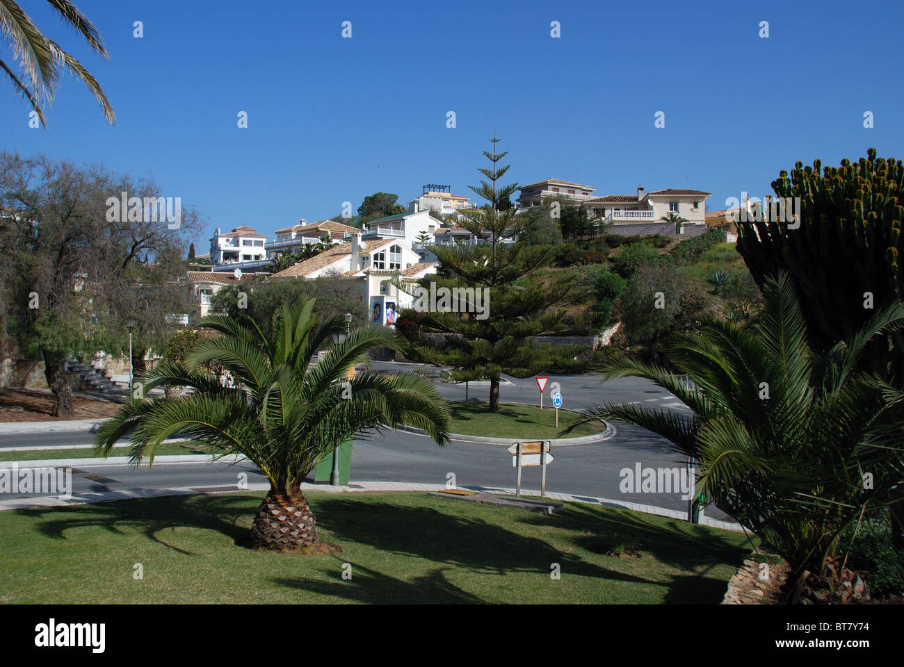 Entrance to the urbanisation with villas to the rear, Torrenueva, Mijas Costa, Costa del Sol, Malaga Province, Andalucia, - Stock Image