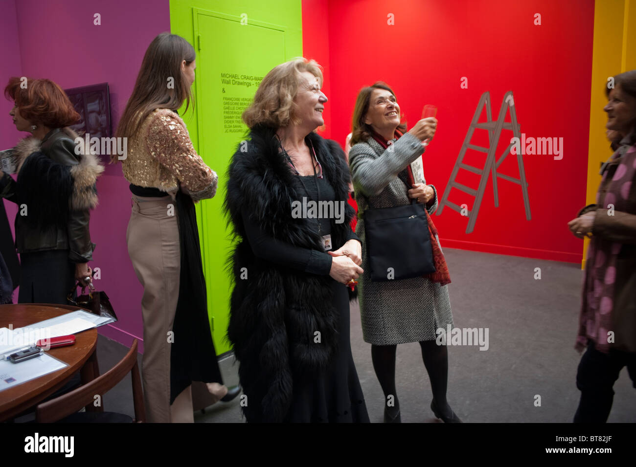 Paris, France, People Looking Trendy French Women Art Gallery Merchants in Modern art Exhibit, admiring FIAC Arts - Stock Image