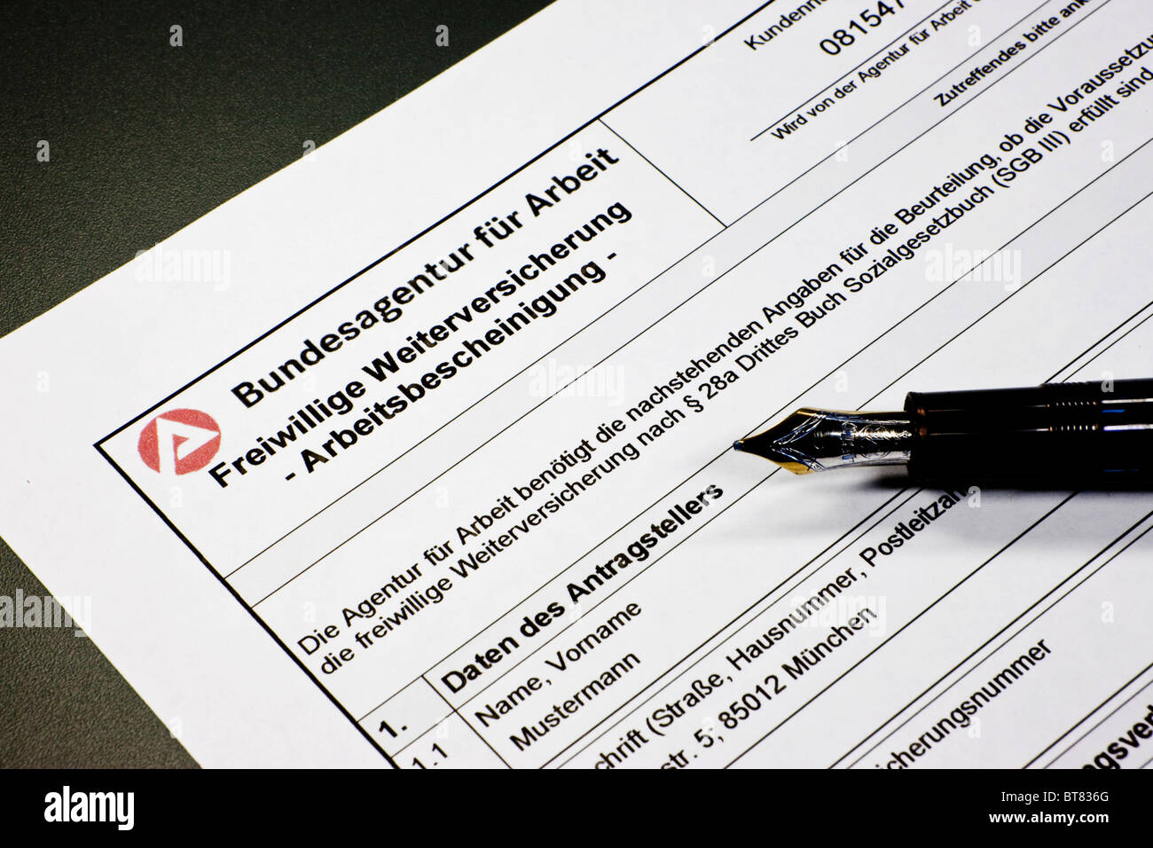 German formula from the Bundesagentur fuer Arbeit, Federal Employment Agency, to apply for continued voluntary insurance - Stock Image
