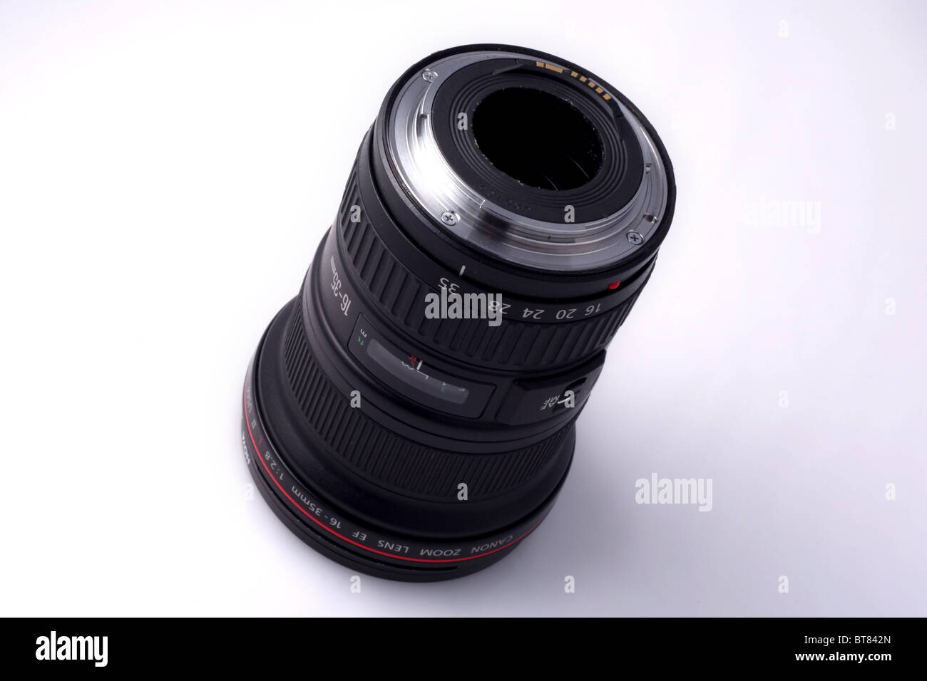 Canon Ef 16 35mm F 2 8l Ii Usm Lens Is A Professional Wide Angle Lens Stock Photo 32140941 Alamy