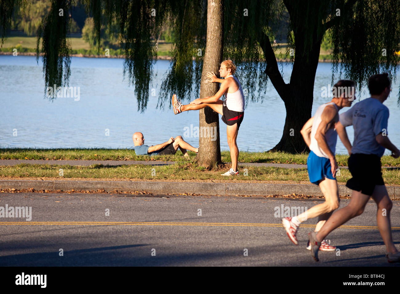 Stretching before a race in Washington DC - Stock Image
