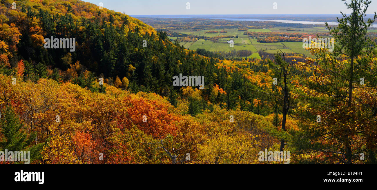 Panorama of Eardley Escarpment and Ottawa River valley in Fall at Tawadina Lookout Gatineau Quebec Canada - Stock Image