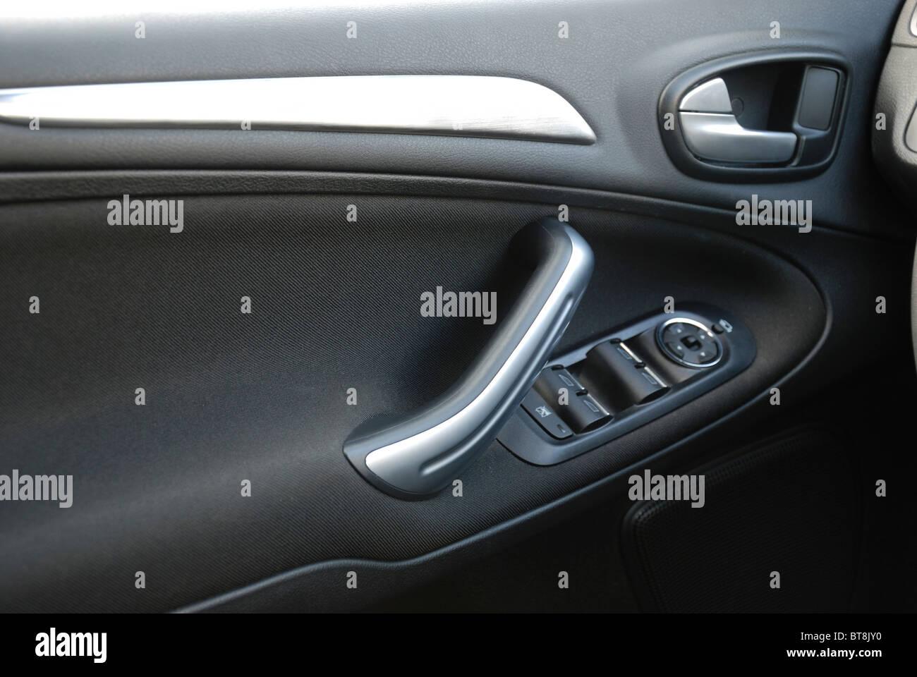 Ford S-MAX 2.0 TDCI - 2006 - black metallic - five doors (5D) - Popular German MPV (minivan) - interior, door panel - Stock Image