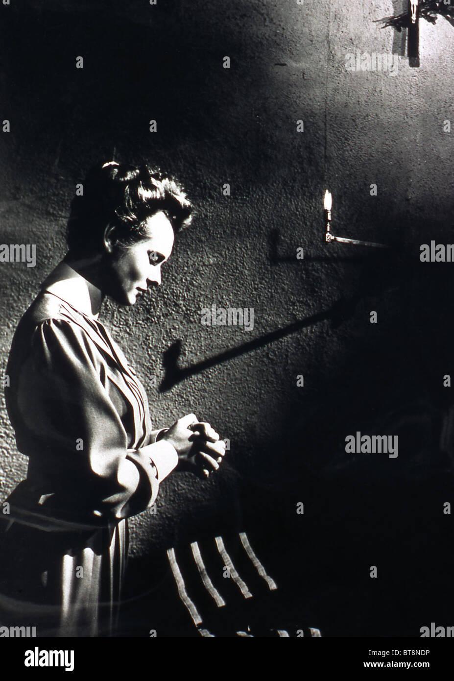 NURSE EDITH CAVELL (1939) ANNA NEAGLE HERBERT WILCOX (DIR) 005 MOVIESTORE COLLECTION LTD - Stock Image