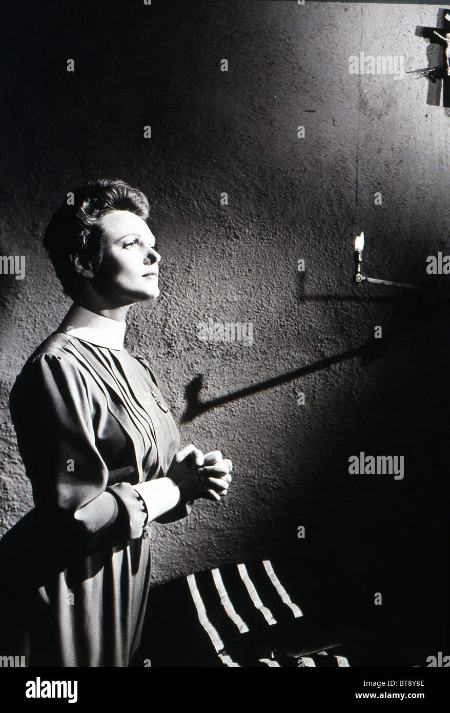 NURSE EDITH CAVELL (1939) ANNA NEAGLE HERBERT WILCOX (DIR) 002 MOVIESTORE COLLECTION LTD - Stock Image