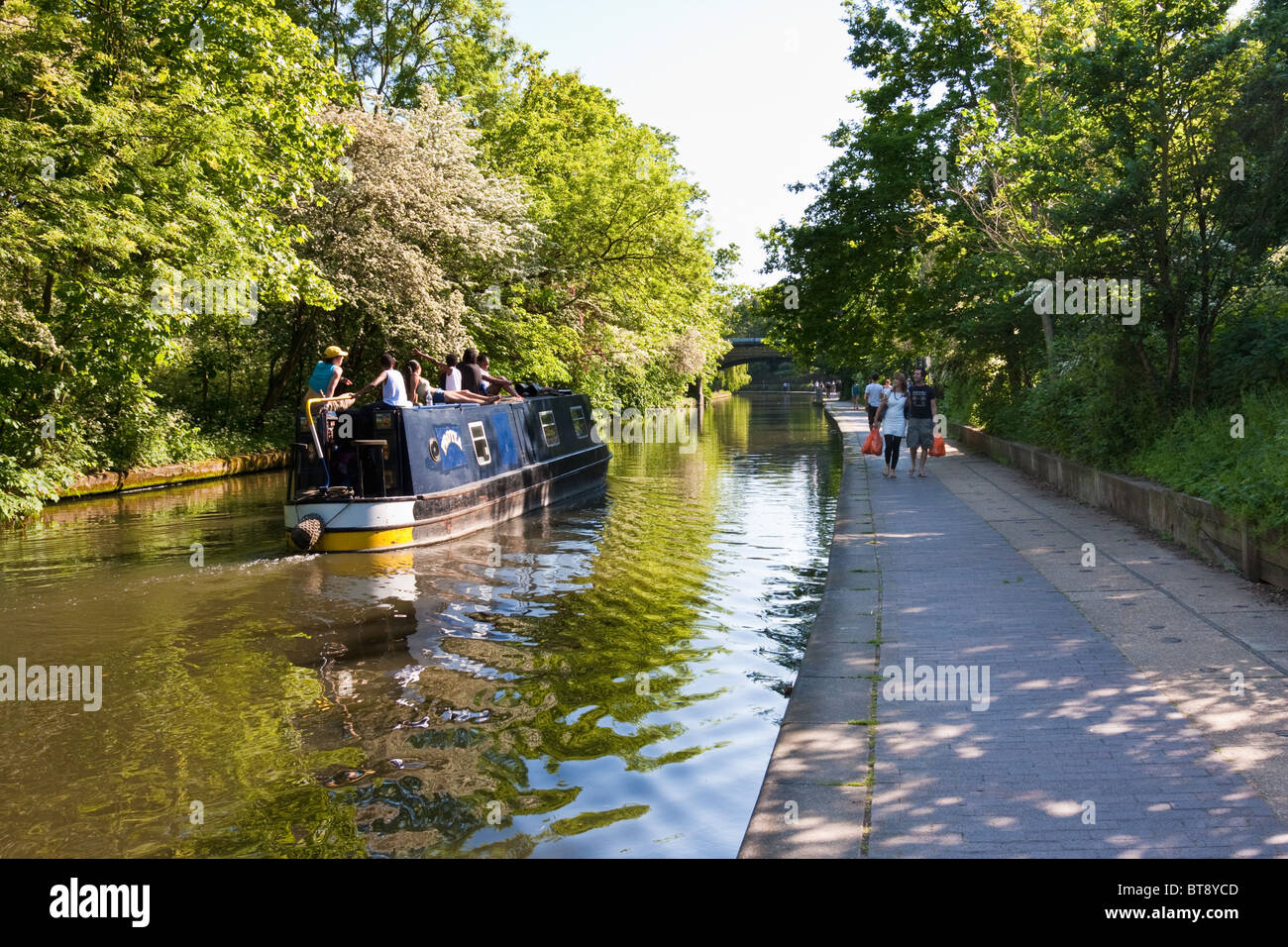 Towpath on the Regent's Canal, London in May 2010 - Stock Image