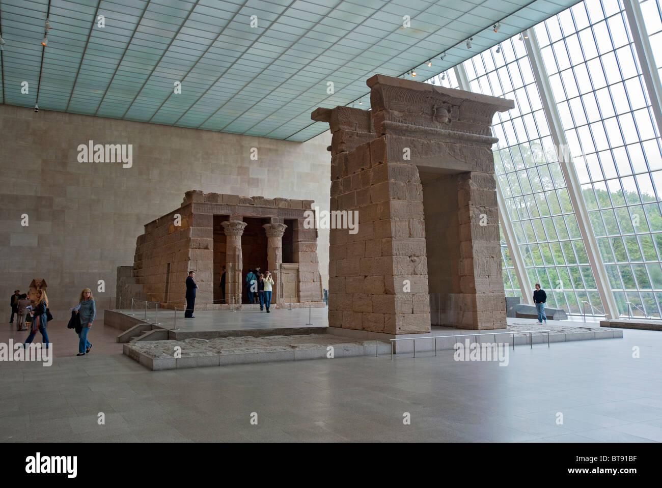 Temple Of Dendur At Metropolitan Museum Of Art In Manhattan New