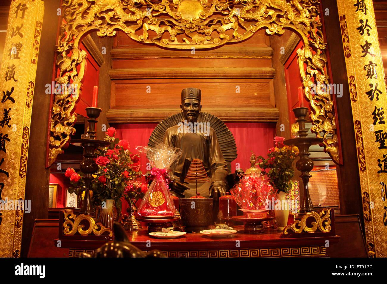 Statue in the Temple of Literature Van Mieu, Hanoi, Vietnam, Asia - Stock Image