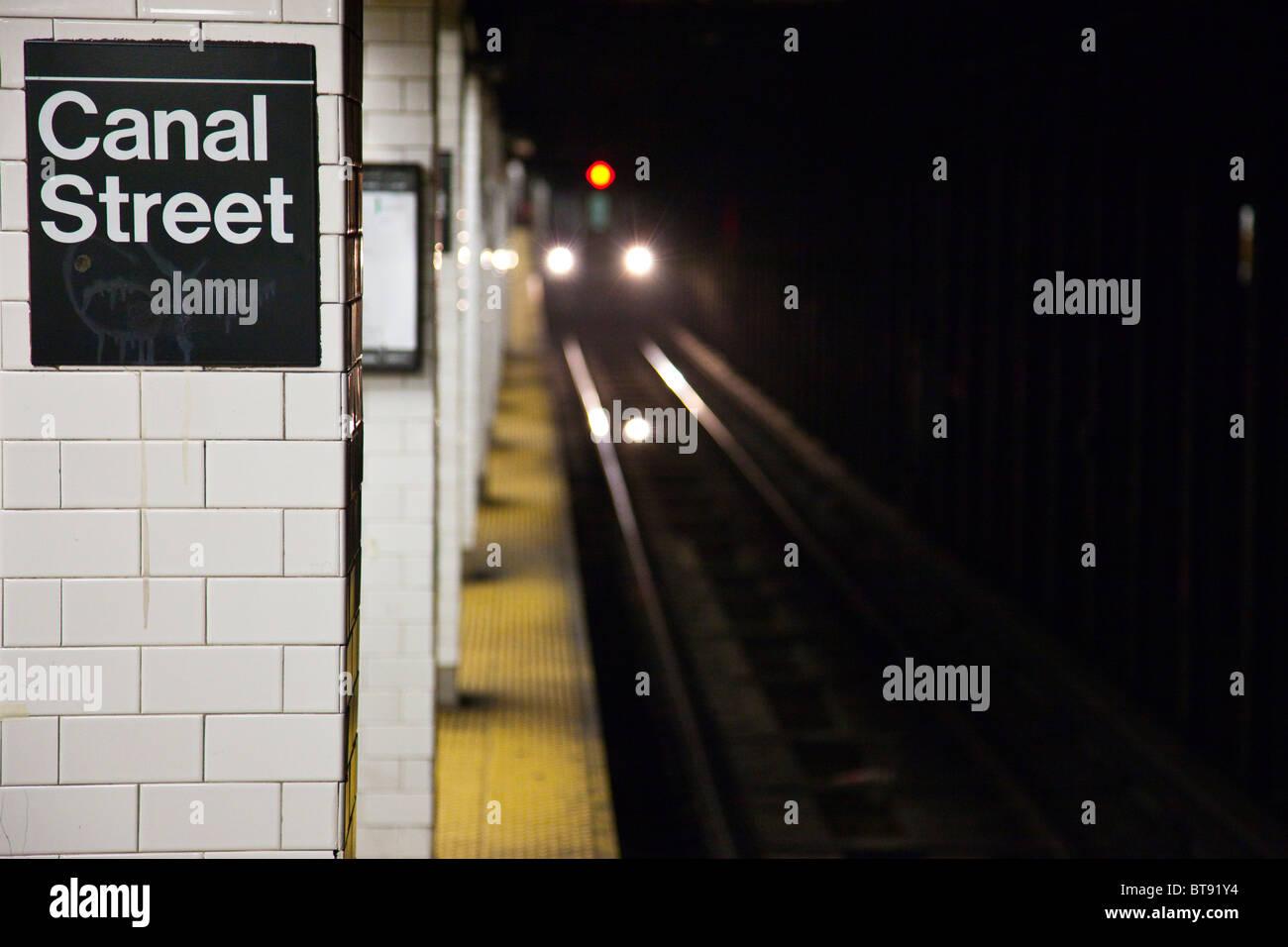 Canal Street Subway Station Platform, Manhattan, New York City - Stock Image