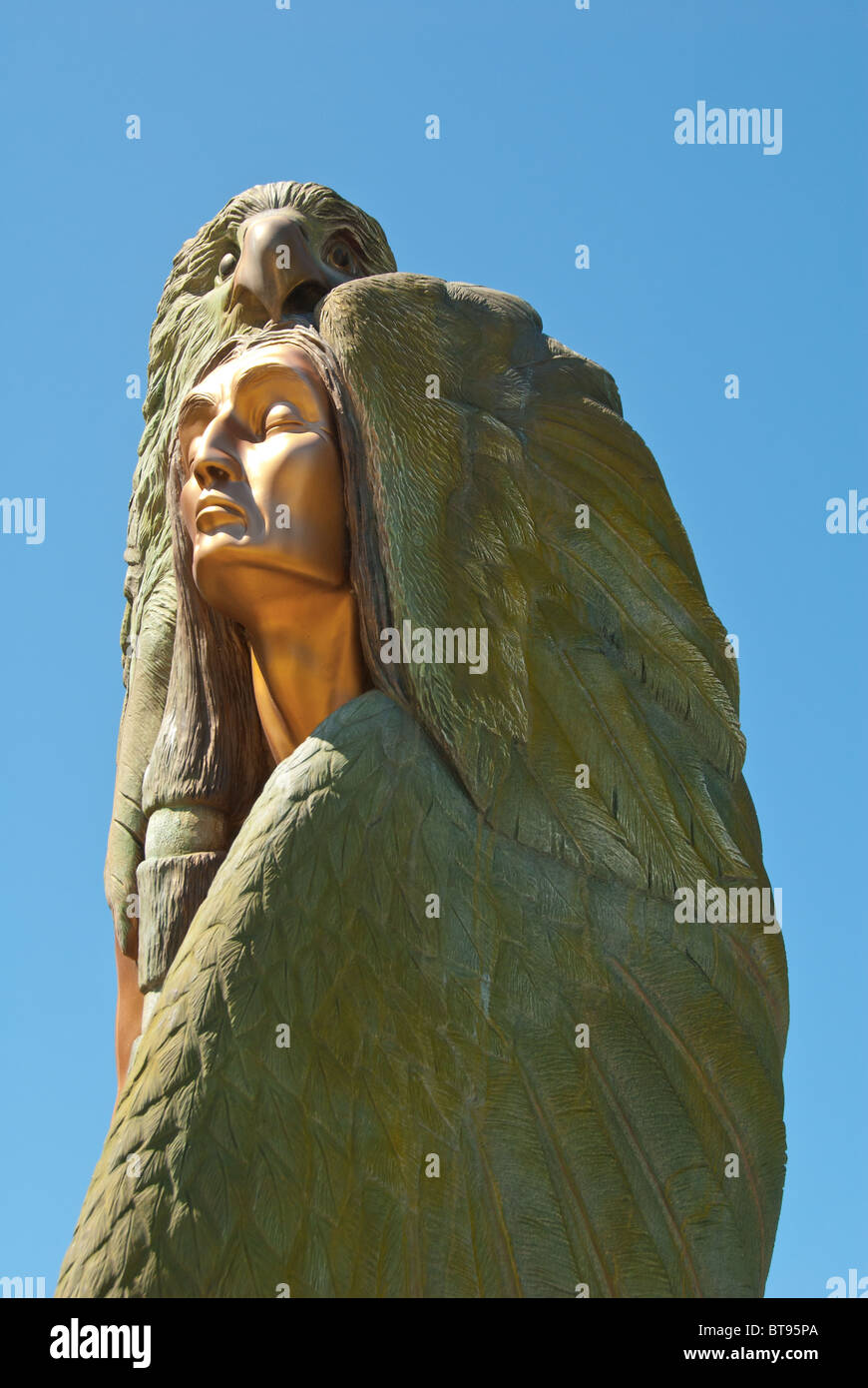 Traveling Bronze Monument by Francis Jansen of a Native American and Eagle, Cherokee, North Carolina, USA - Stock Image