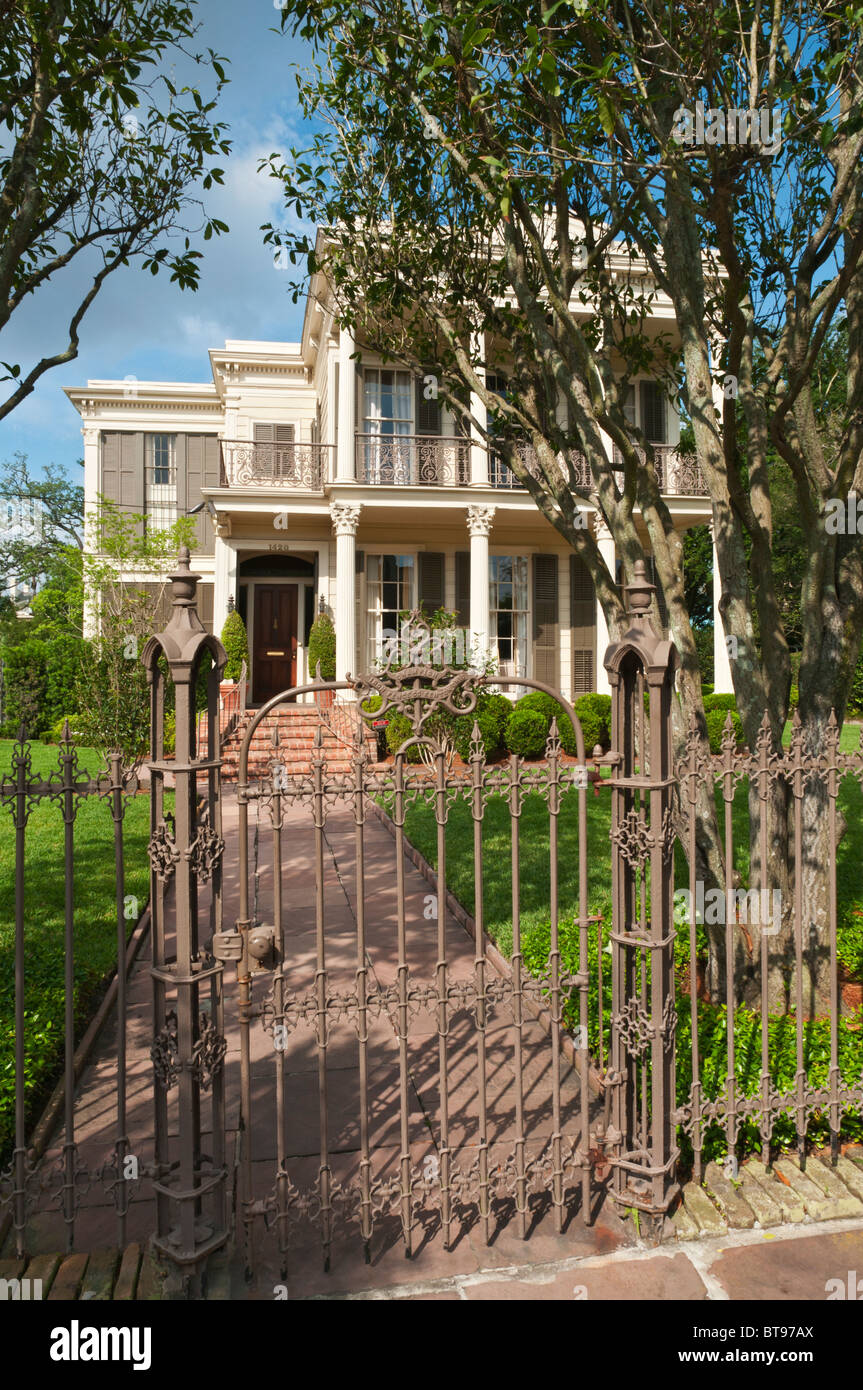 New Orleans Garden District Stock Photos & New Orleans Garden ...