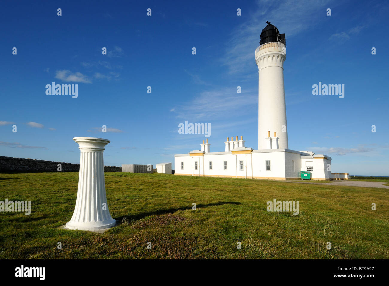 Covesea Skerries lighthouse and sundial, Lossiemouth, Morayshire, Scotland - Stock Image
