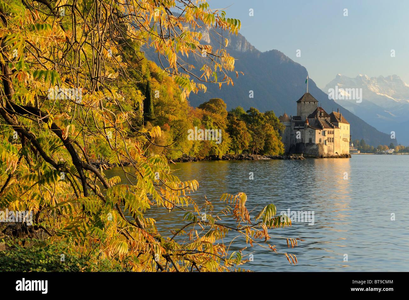 Chillon Castle on Lake Geneva and the Dents du Midi mountains, Veytaux, Montreux, Switzerland, Europe - Stock Image