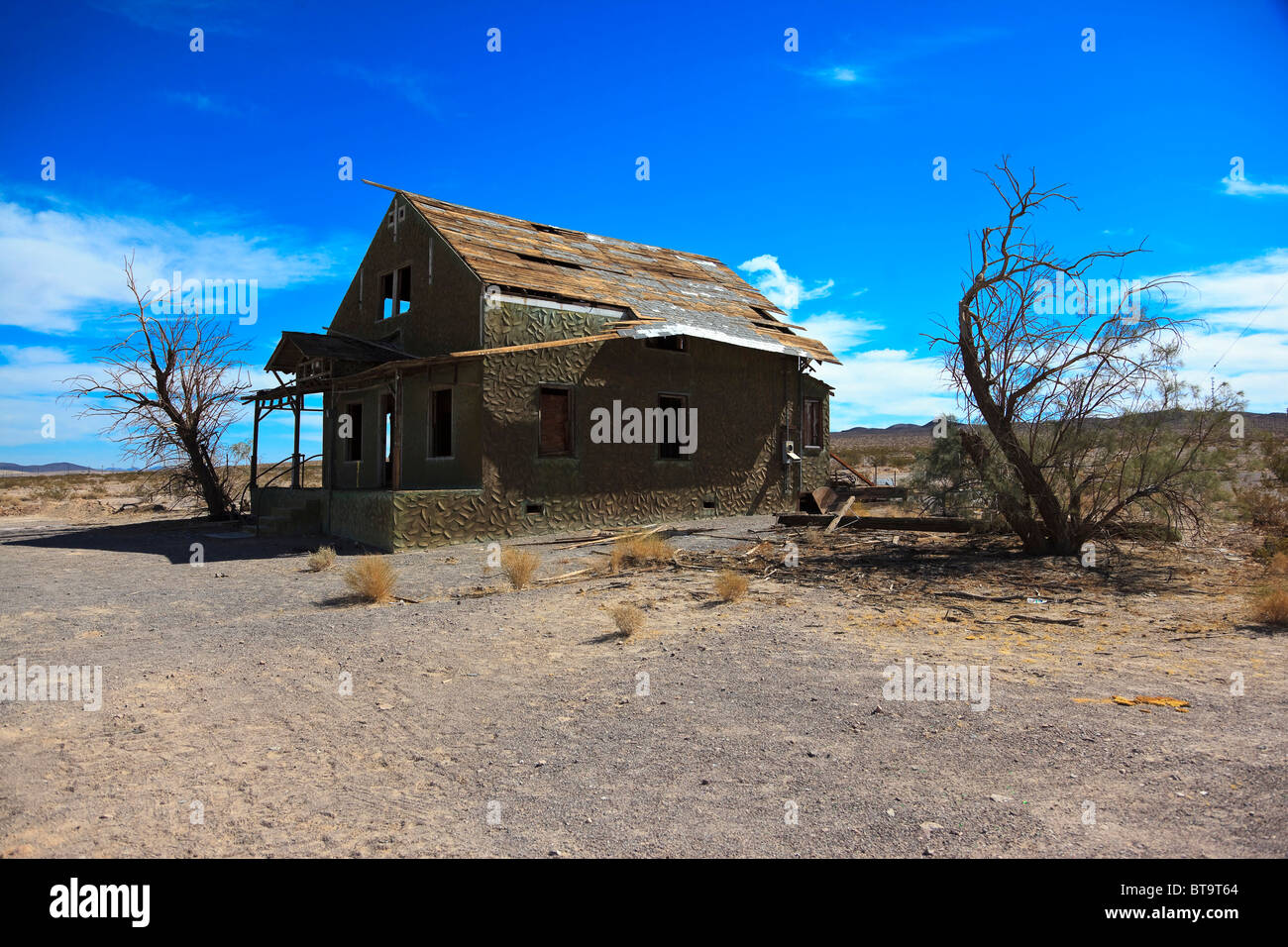 Abandoned Historic Home - abandoned-house-on-the-historic-route-66-ludlow-california-usa-north-BT9T64_Simple Abandoned Historic Home - abandoned-house-on-the-historic-route-66-ludlow-california-usa-north-BT9T64  Perfect Image Reference_38396.jpg