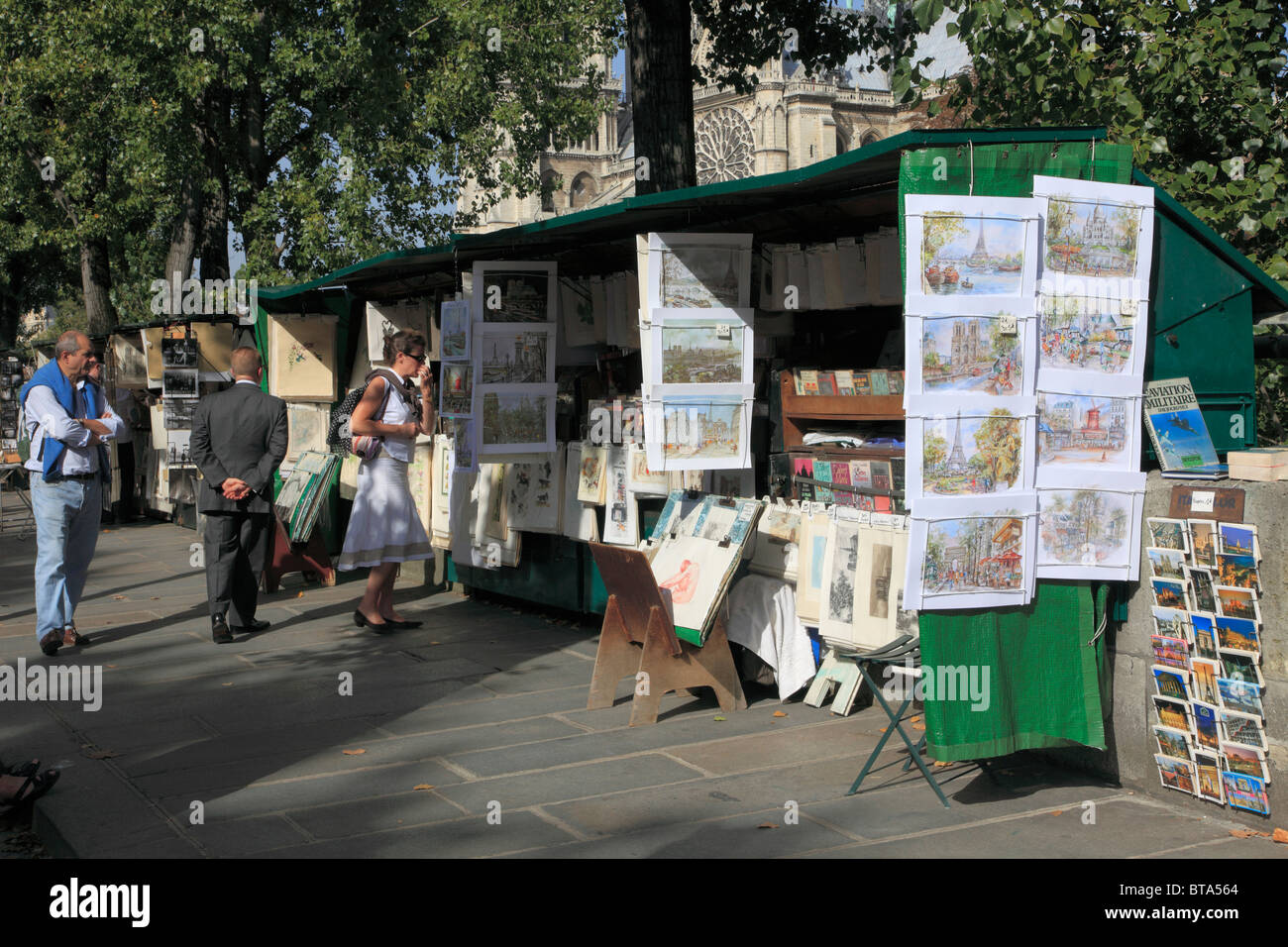 France, Paris, street booksellers, people, Quai de Montebello, - Stock Image