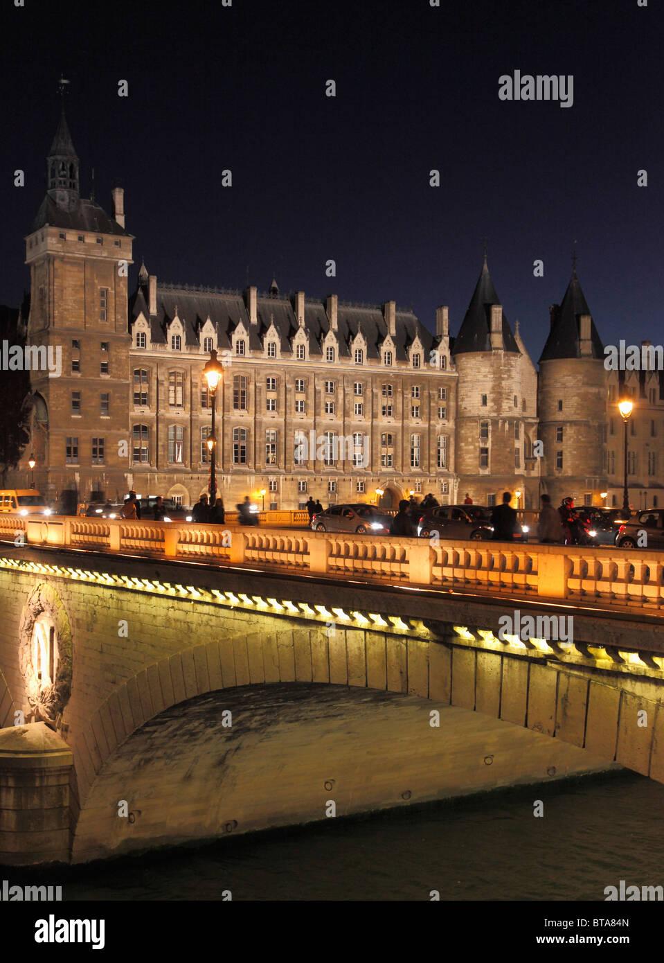 France, Paris, La Conciergerie, Pont au Change bridge, Seine River, - Stock Image