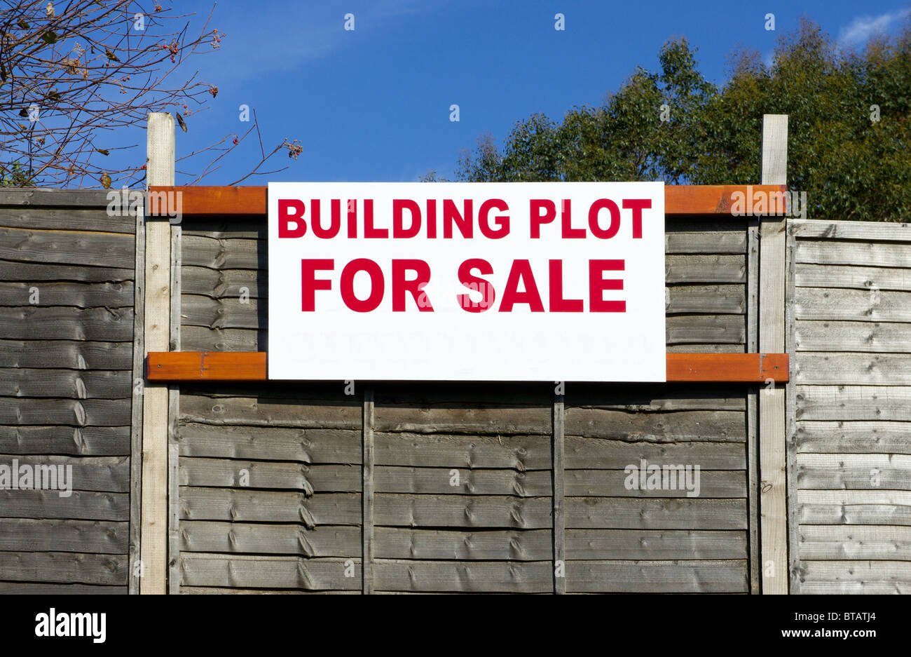 Building plot for sale sign - Stock Image