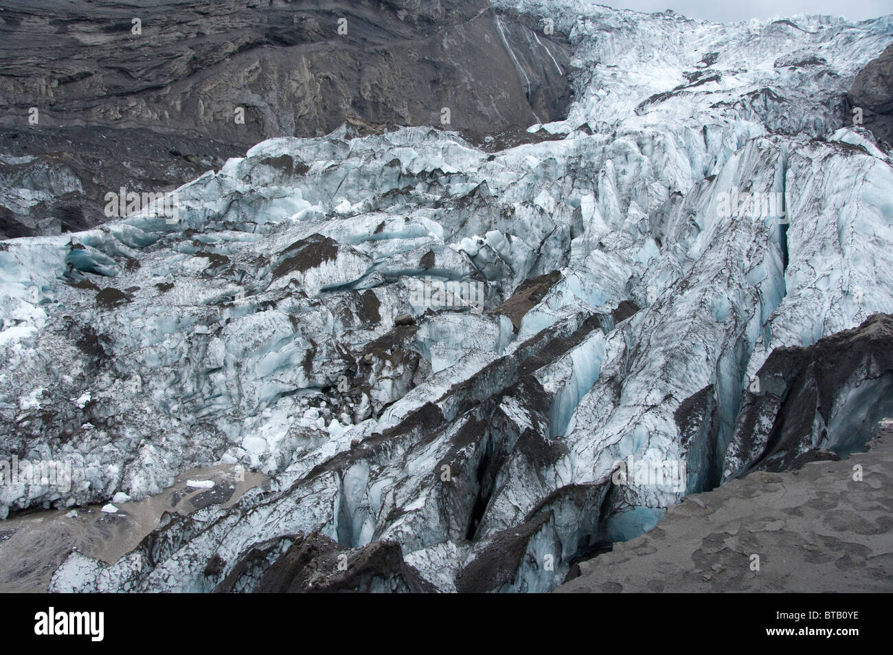 Iceland, Porsmork Park, Gigjokull glacier after the 2010 spring eruption of Eyjafjallajokull volcano. - Stock Image