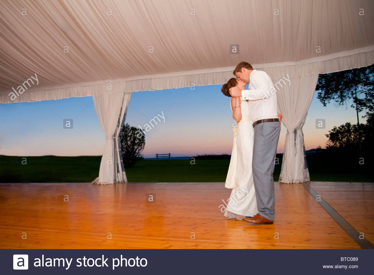 Newlyweds at their first dance - Stock Image
