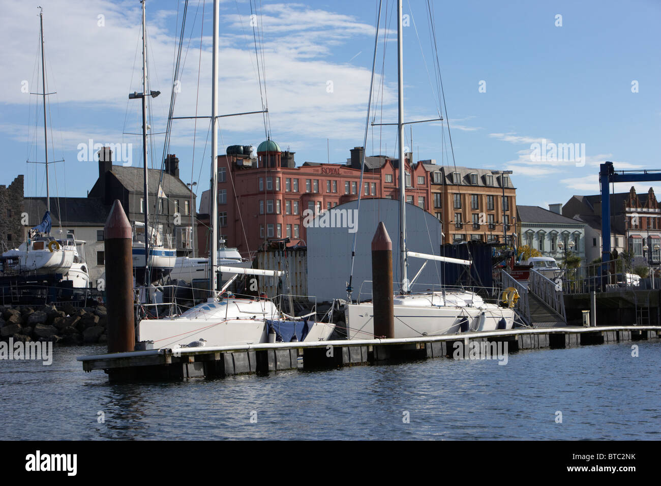 floating pontoon yachts at boatyard in bangor harbour county down - Stock Image