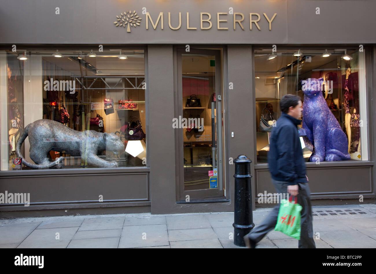 666ce08e772 Mulberry handbag store, Covent Garden, London Stock Photo: 32227742 ...