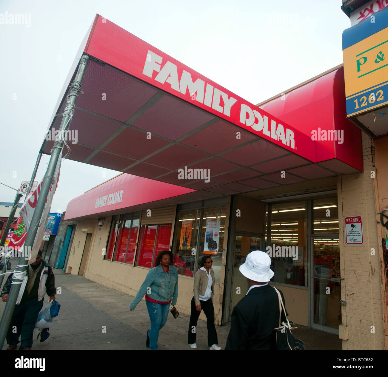 A Family Dollar store in the Bronx borough of New York Stock Photo