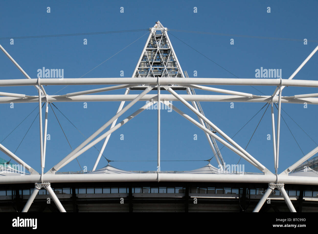 View of the upper steelwork on partly constructed (in Oct 2010) London 2012 Olympic Athletics Stadium in East London, - Stock Image