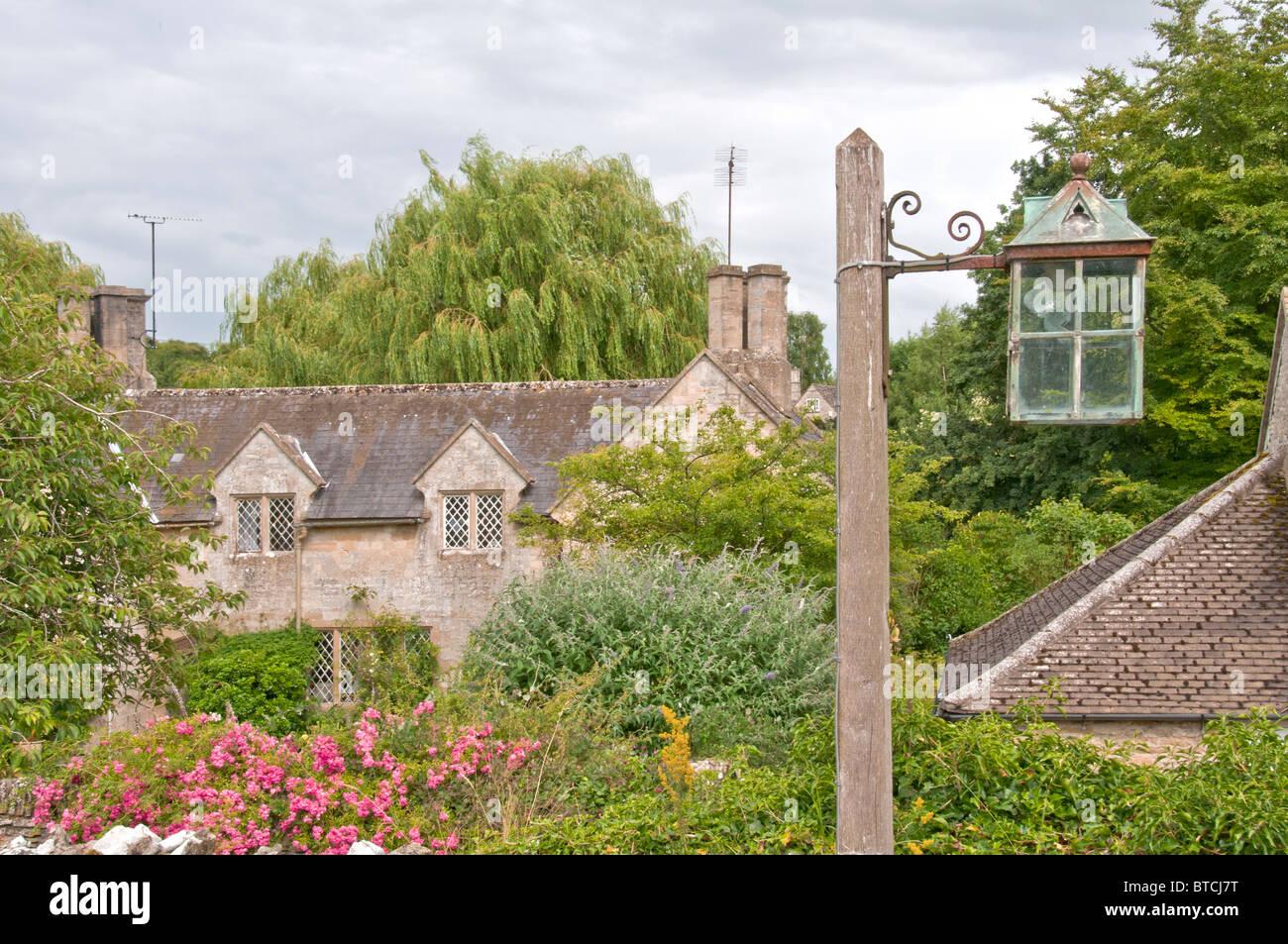 Idyllic scene in the village of Swinbrook; idyllische Szene im Dorf Swinbrook Stock Photo