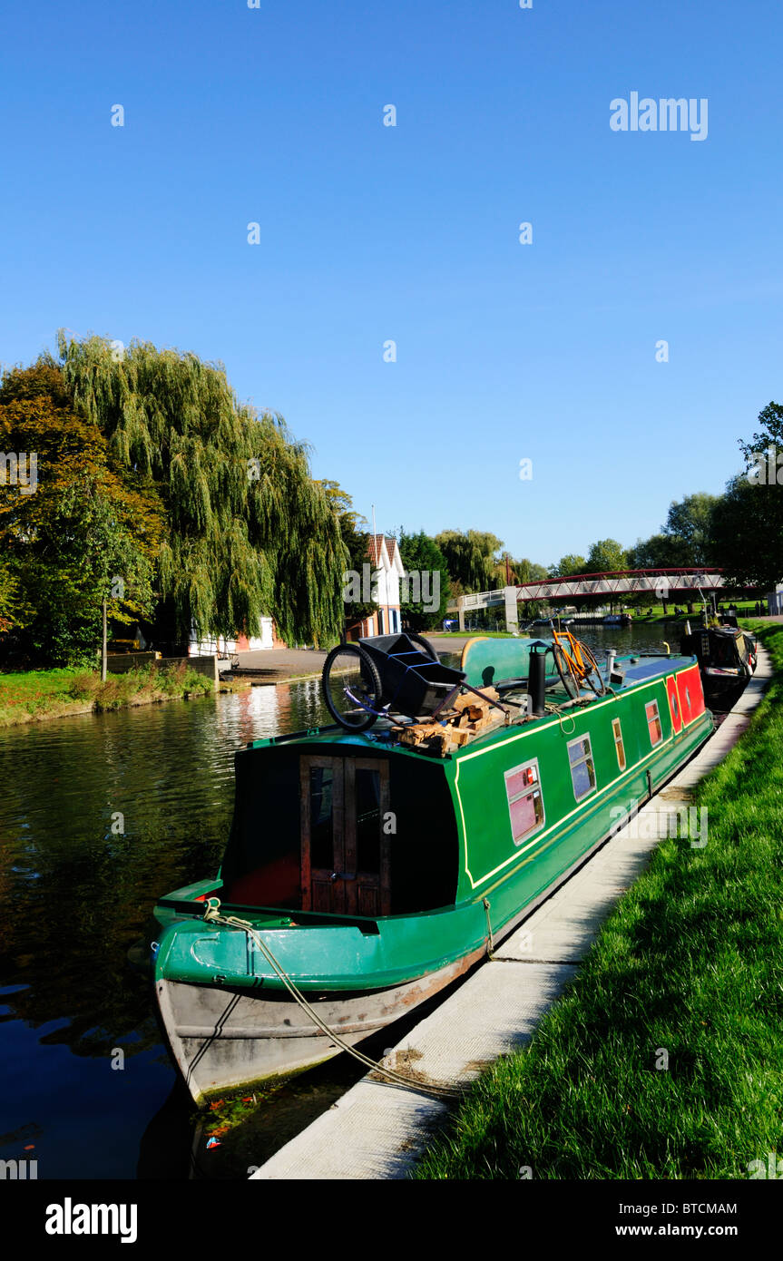 A Narrowboat moored on the river Cam at Midsummer Common, Cambridge, England, UK - Stock Image