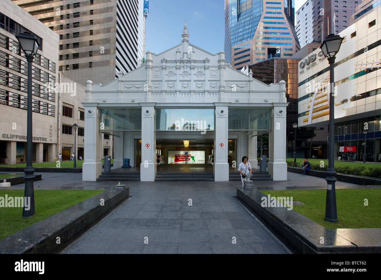 Raffles Place MRT station, Singapore - Stock Image