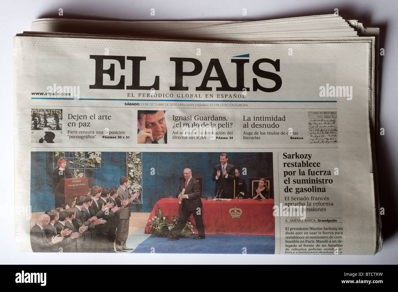 Spanish daily newspaper El Pais (The Country Stock Photo - Alamy