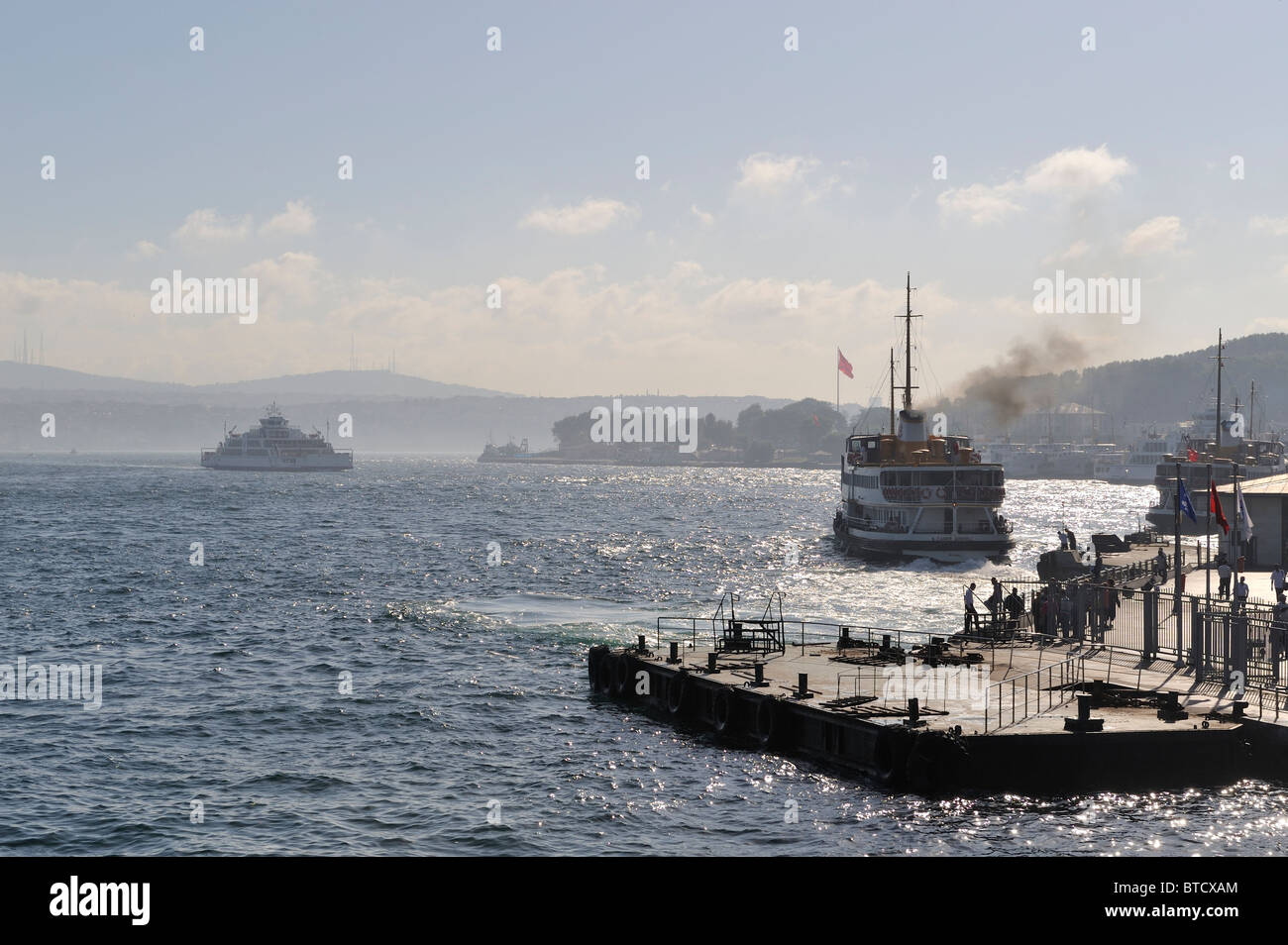 Ferries, the Golden Horn and the Bosphorus, İstanbul, Turkey 100916_35945 - Stock Image