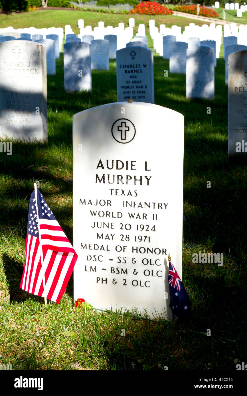 grave marker for audie murphy stock photo 32246598 alamy