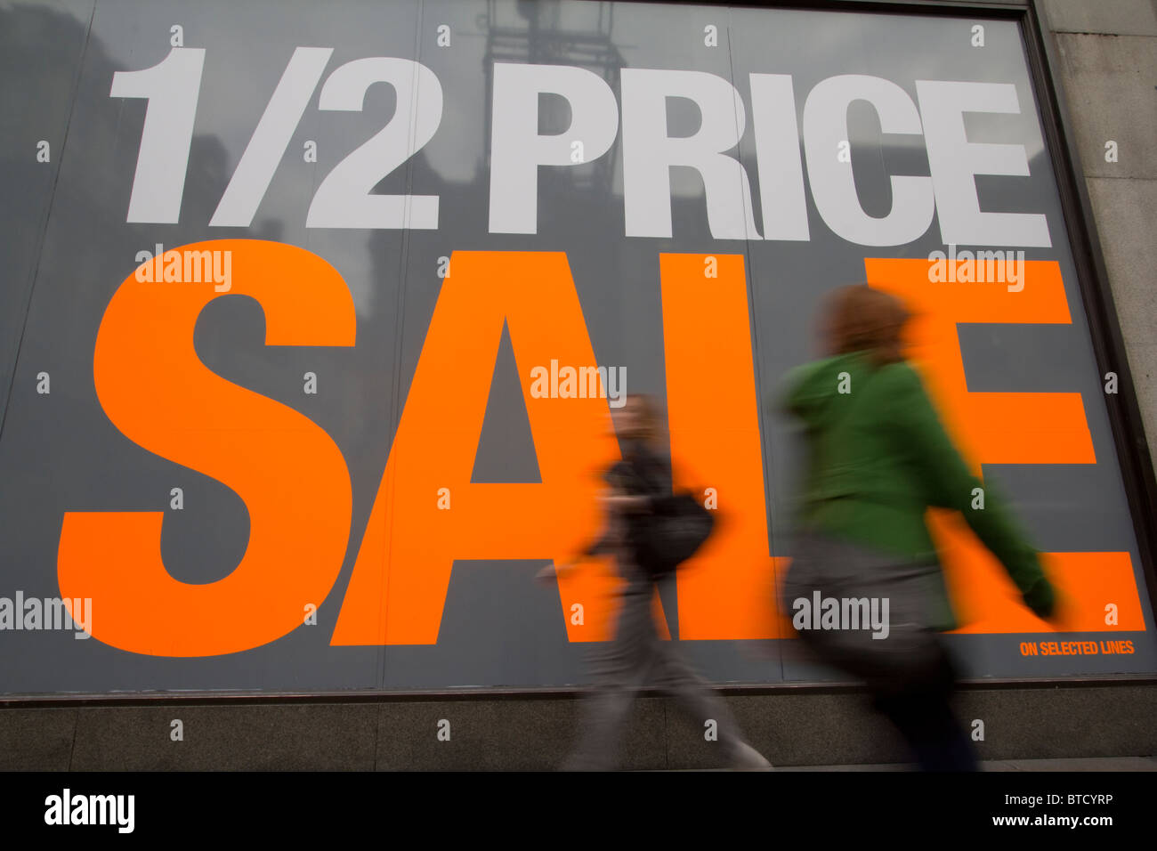 Huge Sale sign Oxford Street - Stock Image