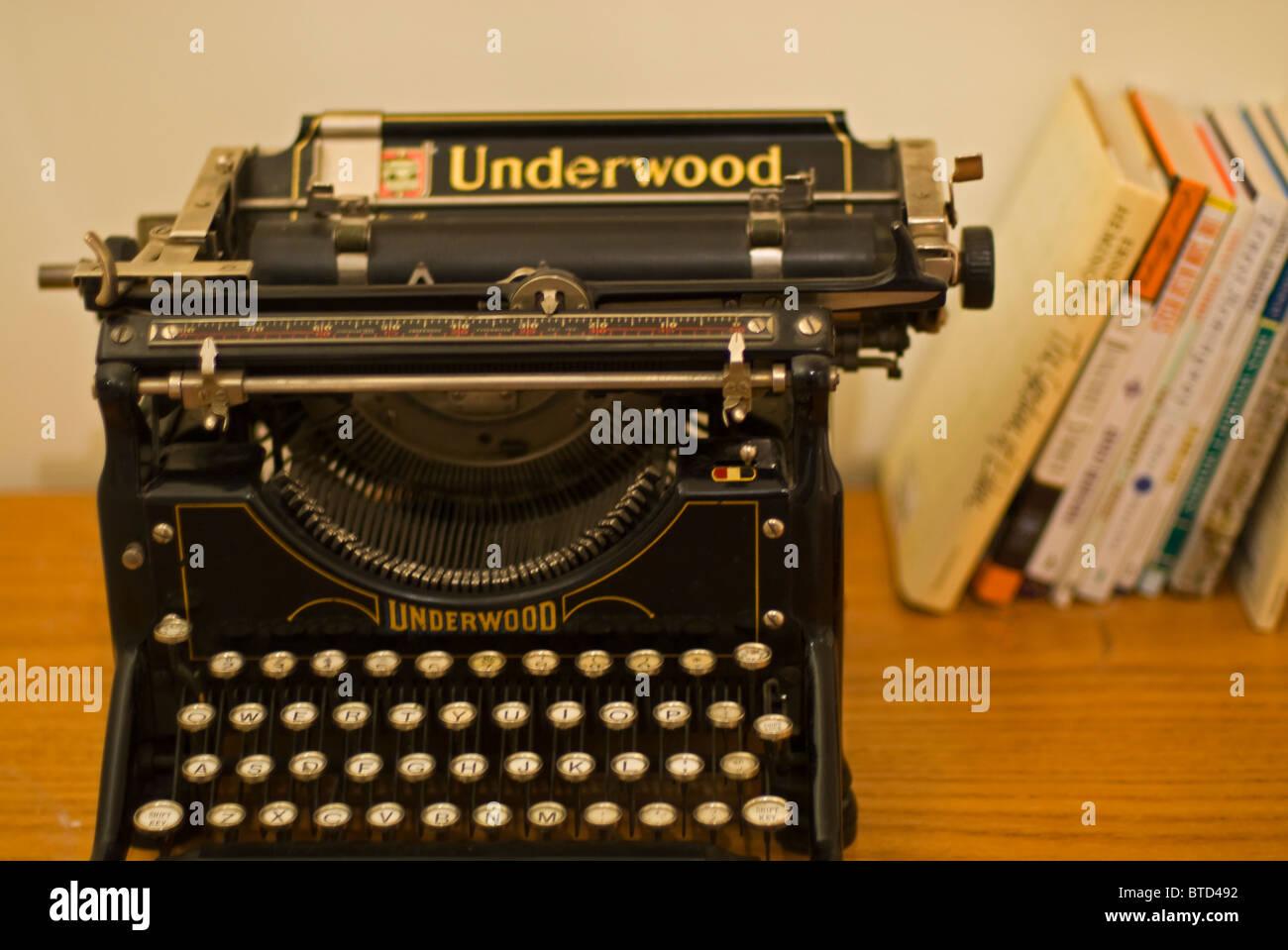Writer Ernest Hemingway's Underwood typewriter housed at the Ketchum Sun Valley Ski Museum, Idaho - Stock Image