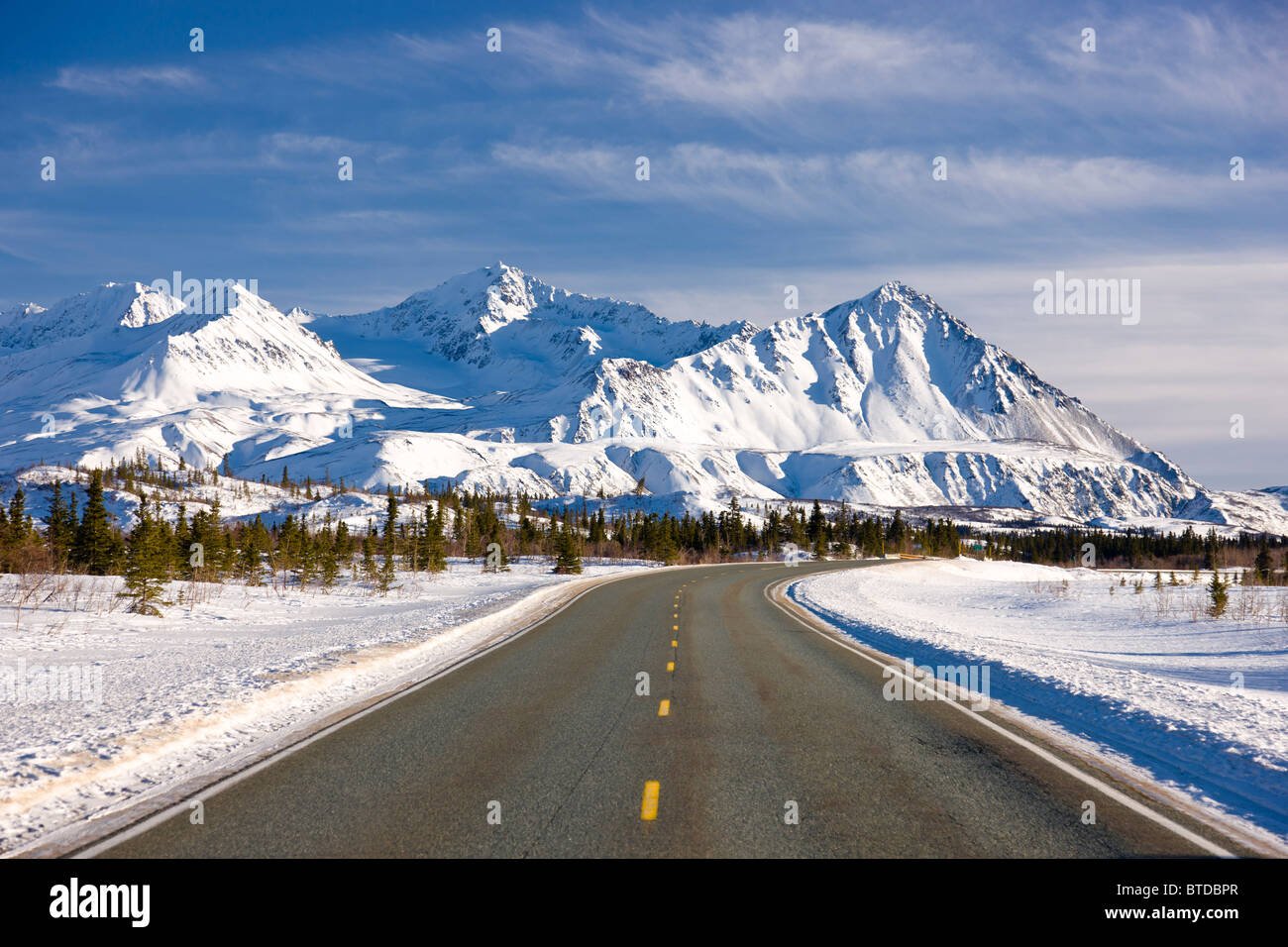 f77ee6a89 Daytime view of the Richardson Highway along the Delta River just ...
