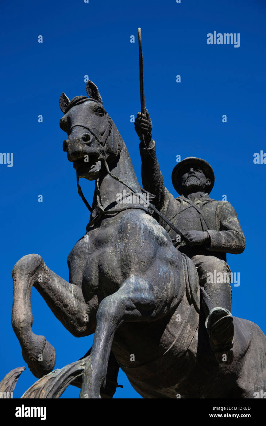 Statue of Christiaan Rudolph de Wet, a famous Boer leader, at the 4th Raadsaal monument in Bloemfontein - Stock Image
