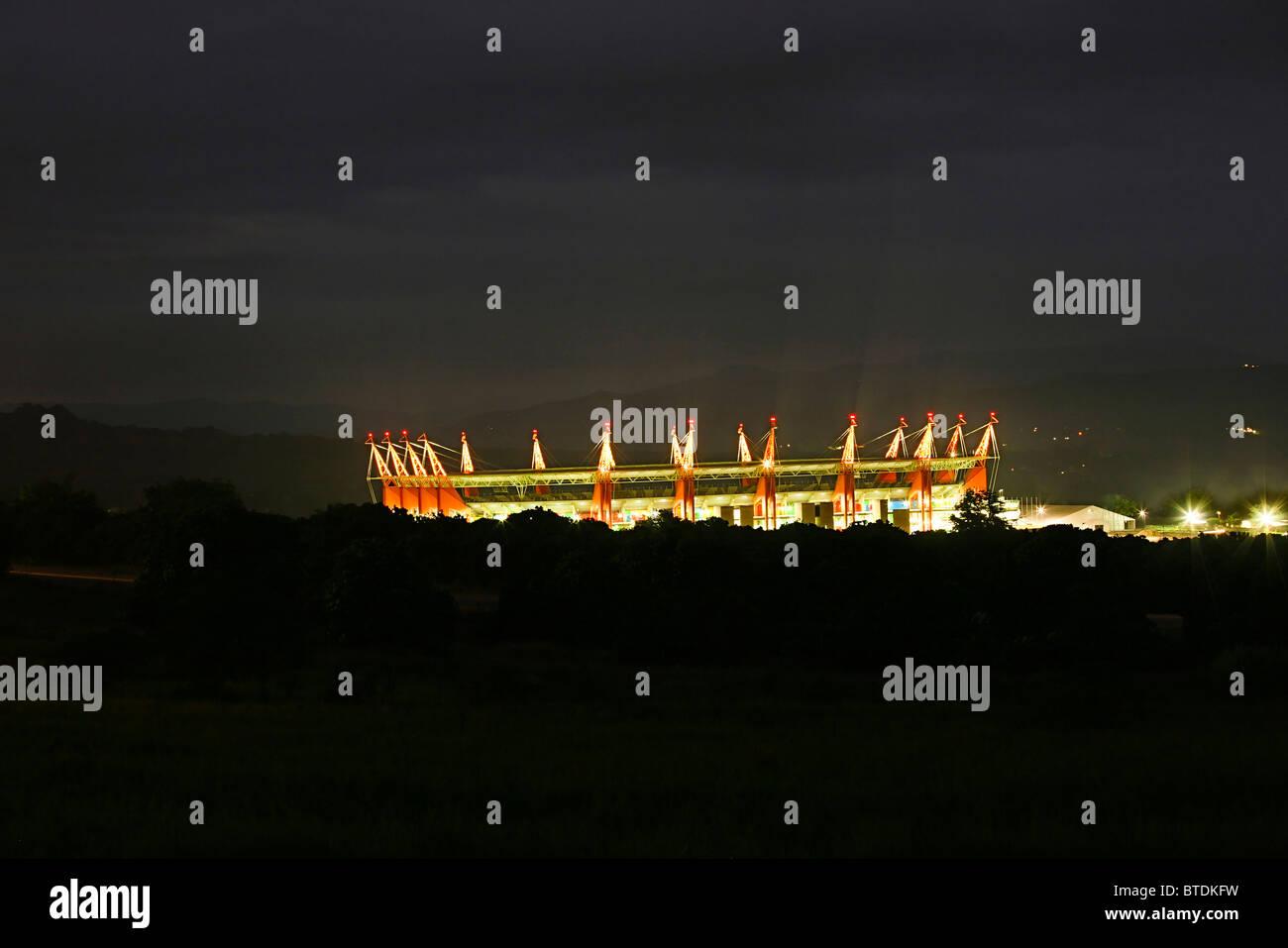 The 2010 FIFA World Cup Mbombela stadium viewed at dusk - Stock Image