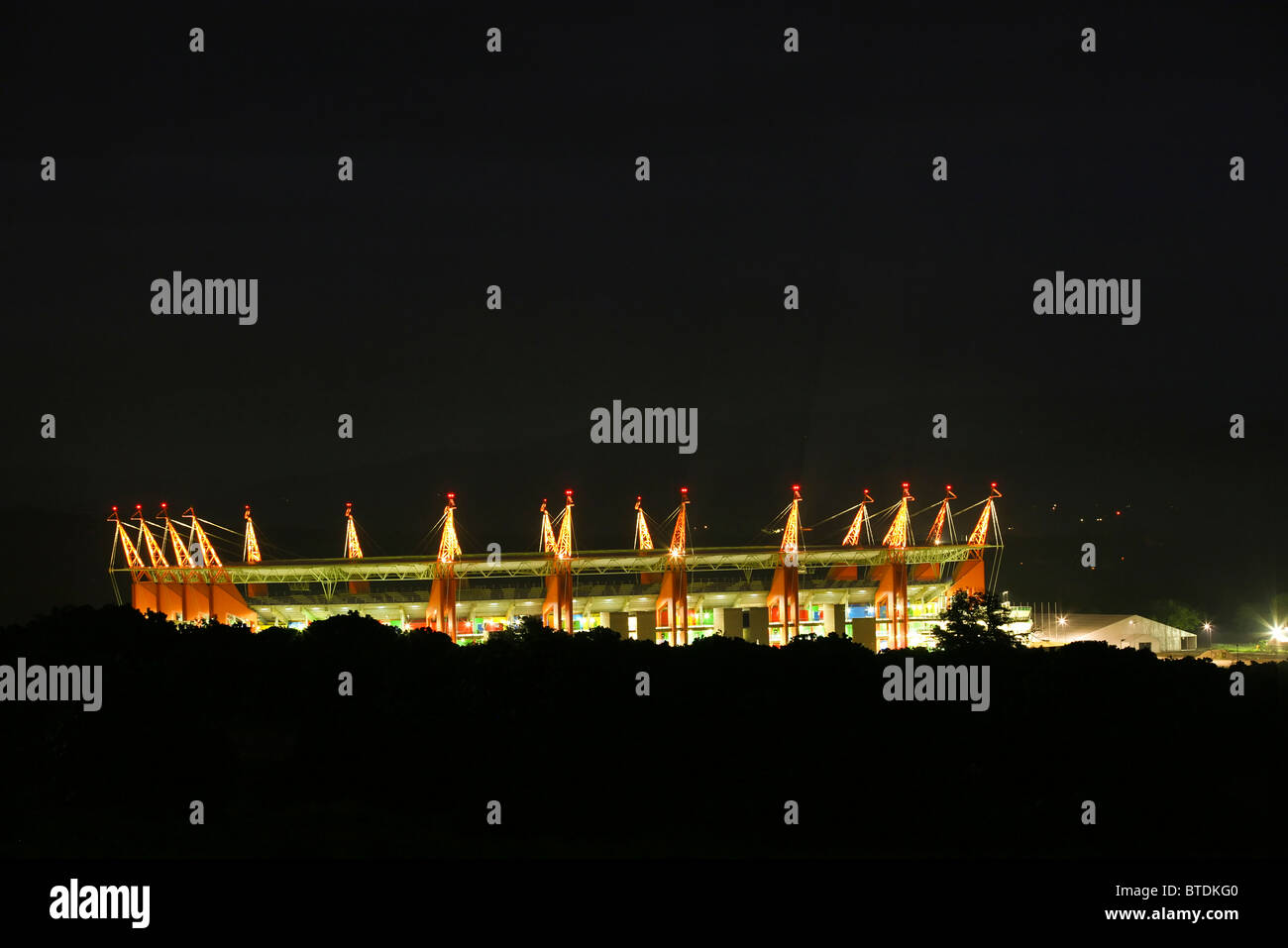 The 2010 FIFA World Cup Mbombela stadium viewed at night - Stock Image