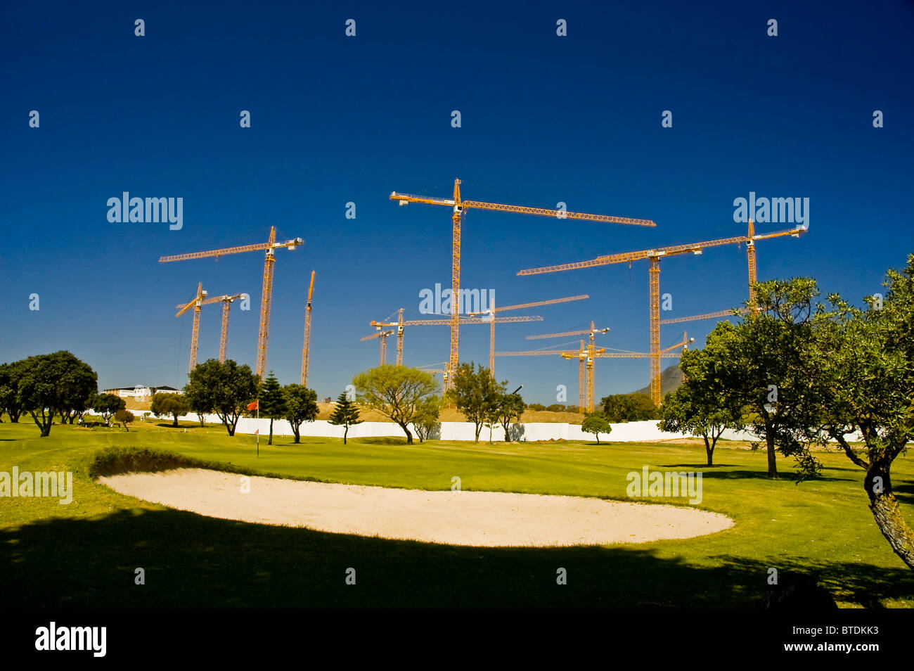 Cranes at the current site of the Greenpoint stadium at the beginning of construction - Stock Image