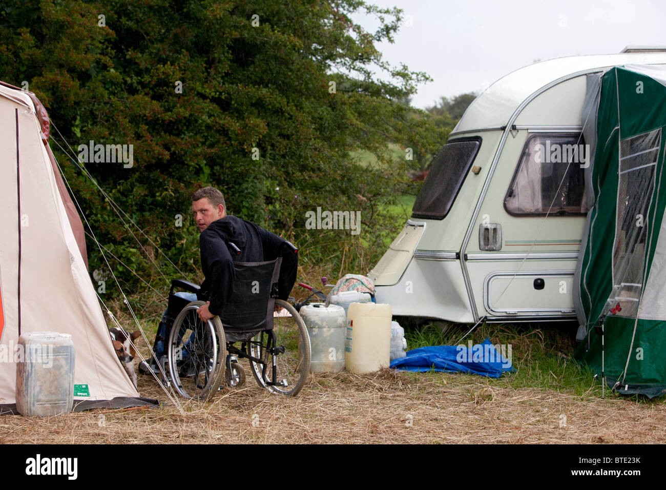 Disabled gypsy boy  Shane and his family now live in a house so coming to Priddy Sheep Fair is their holiday. DAVID - Stock Image