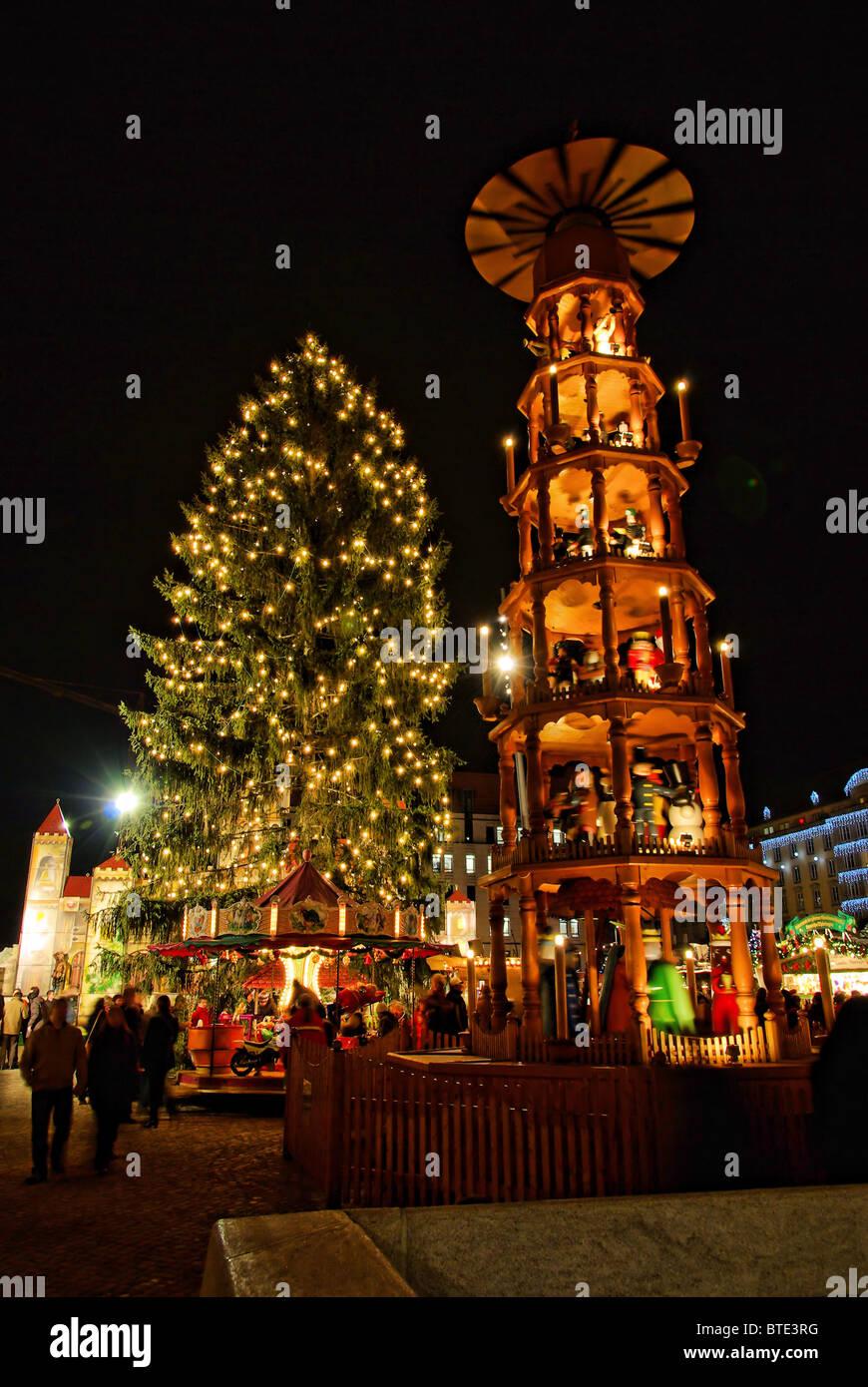 Weihnachtsmarkt In Dresden.Dresden Weihnachtsmarkt Dresden Christmas Market 01 Stock Photo