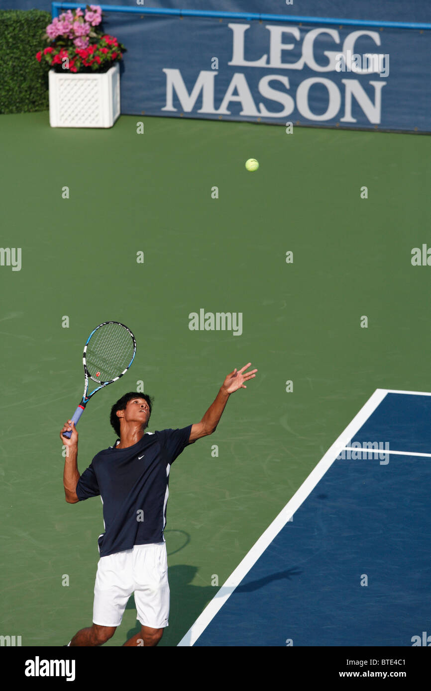 Somdev Devarrman of India serves during a qualifying round match at the Legg Mason Tennis Classic July 28, 2007. Stock Photo