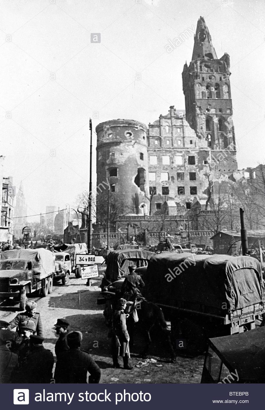 Great Patriotic War. Soviet Army in occupied Koenigsberg, 1945 - Stock Image