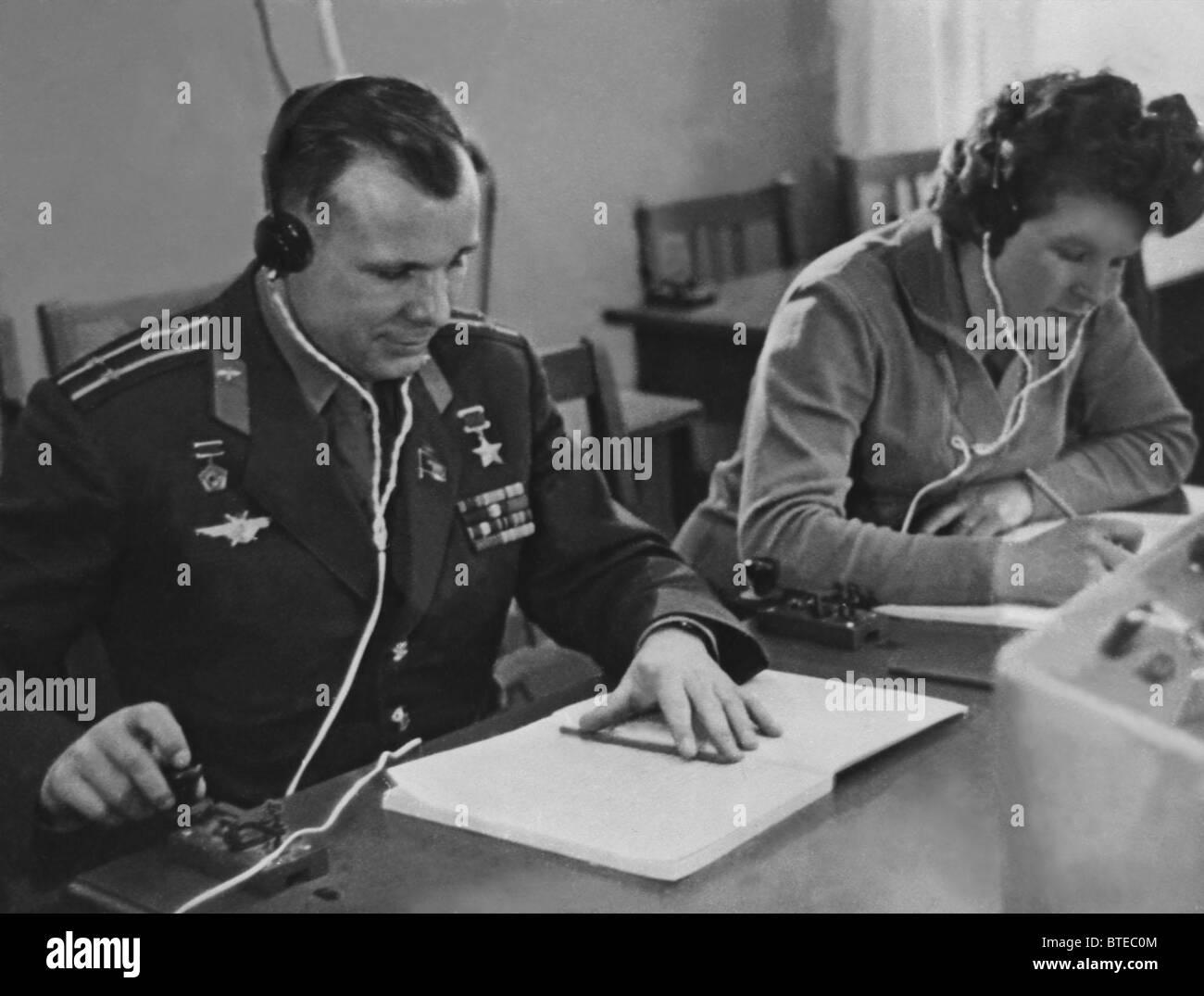 Valentina Tereshkova and Yuri Gagarin at lessons, 1963 - Stock Image