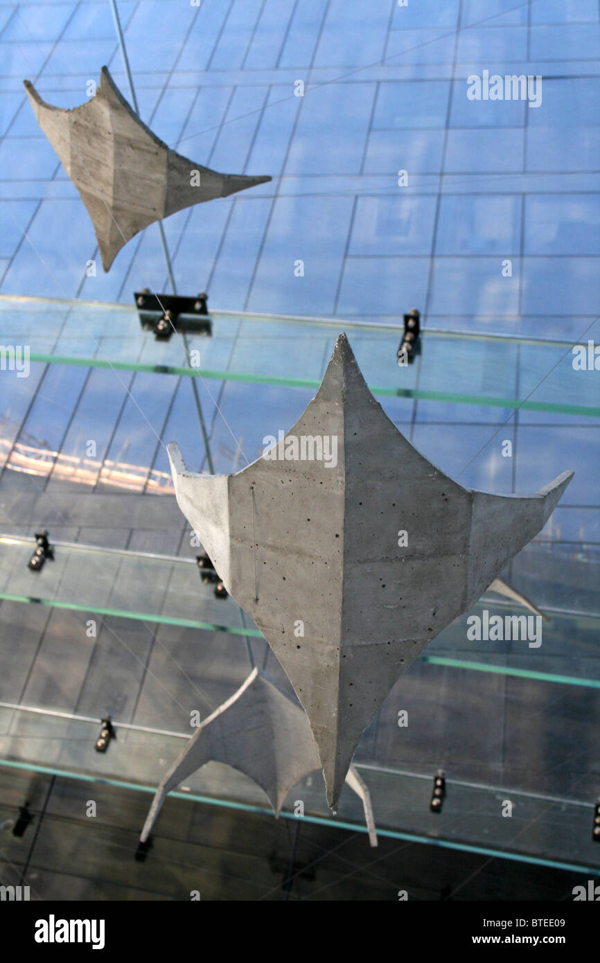 Liverpool Biennial 2010: Concrete Manta Rays By Hector Zamora - Stock Image