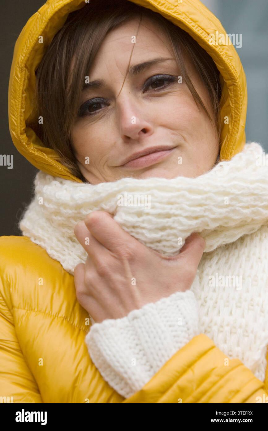 Freezing woman - Stock Image